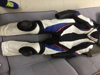 代友出售15杜卡迪大魔鬼碳纤维版和一套丹尼斯连体 靴子手套