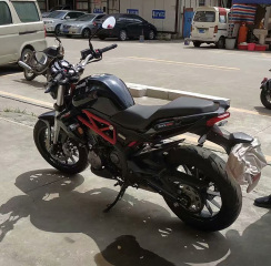 广东江门市区出售黄龙300黑色一台